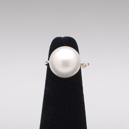 medium-pearl-ring